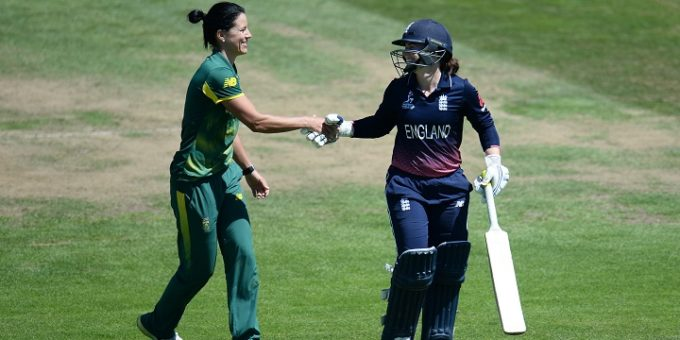 BRISTOL, ENGLAND - JULY 05: Tammy Beaumont of England shakes hands with Marizanne Kapp of South Africa as she walks off after being dismissed for 148 during the ICC Women's World Cup 2017 match between England and South Africa at The County Ground on July 5, 2017 in Bristol, England. (Photo by Harry Trump-IDI/IDI via Getty Images)