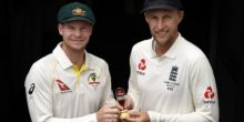 BRISBANE, AUSTRALIA - NOVEMBER 22:  Steve Smith, Captain of Australia and Joe Root, Captain of England pose during a media opportunity ahead of the 2017/18 Ashes Series beginning tomorrow, at The Gabba on November 22, 2017 in Brisbane, Australia.  (Photo by Ryan Pierse/Getty Images)